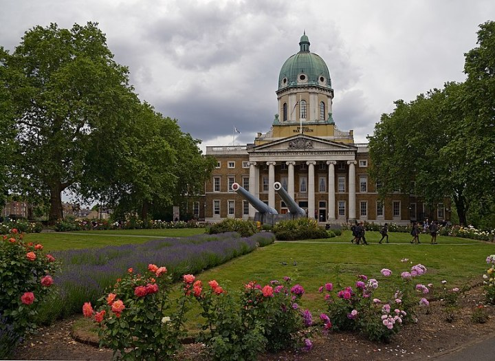 800px-Imperial_War_Museum._London,_UK
