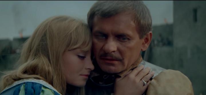 27-Wolodyjowski réconforte sa jeune épouse et délivre un message d'espoir à travers le drame...