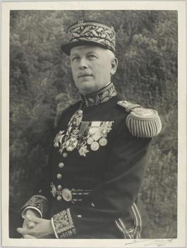 Frere-uniforme